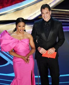 Angela Bassett Photos - (L-R) Angela Bassett and Javier Bardem speak onstage during the Annual Academy Awards at Dolby Theatre on February 2019 in Hollywood, California. - Angela Bassett Photos - 37 of 2795 Mahershala Ali, Amy Poehler, Oscars, Lady Gaga, London In October, February, Human Rights Campaign, Angela Bassett, Take Video