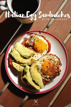 Done in just 10 minutes, this Italian Egg Sandwiches with Avocados is a fantastic quick breakfast! Crockpot Recipes, Healthy Recipes, Healthy Food, Delicious Recipes, Sweets Recipes, Eating Healthy, Italian Eggs, Egg Sandwiches, Quick And Easy Breakfast