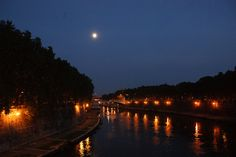 #Moon and #Tevere in #Rome