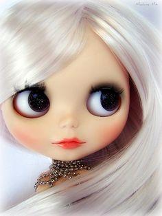 Blythe doll white witte Blythe pop www.mim-pi.com
