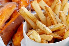 We've got French fries to creamy mash, potato bread to baked spuds. You're sure to find a perfect potato dish for whatever the occasion! Creamy Potato Bake, Deep Fried Potatoes, French Fries Recipe, Creamy Mash, Potato Recipes, Cooking Tips, Veggies, Vegetarian, Meals