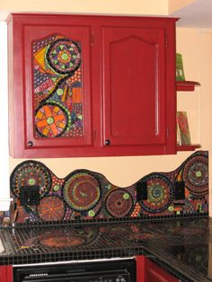Here's a variety of beautiful DIY backsplash ideas for redesigning your kitchen wall. Diy Kitchen backsplash pictures for your inspiration: Mexican diy tile backsplash Bottle caps diy backsplash … Kitchen Mosaic, Mosaic Backsplash, Kitchen Backsplash, Mosaic Tiles, Backsplash Ideas, Tiling, Boho Kitchen, Red Kitchen, Kitchen Cabinets