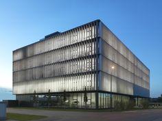 Fassadenverkleidung aus Metall am BFFT HQ2