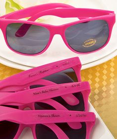 Give your guests a fun and trendy look with a pair of fashionable show-off sunglasses.