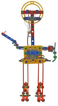 Design do Boneco da Oficina de Computação Física UFSC, construído com material atto (http://attoeducacional.com.br).