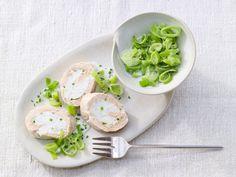 Ein Fest für Augen und Gaumen: fein gewickelter Fisch für besondere Anlässe! Lachs-Zander-Roulade - mit Rahm-Lauch - smarter - Kalorien: 577 Kcal - Zeit: 1 Std.  | eatsmarter.de