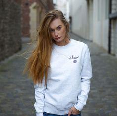 A L'AISE white sweater - Flâneur Webshop