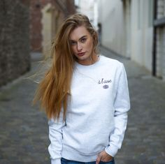 A L'AISE white sweater - Flâneur Webshop