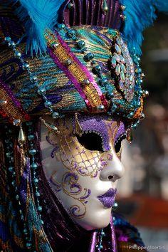Masquerade mask. #masks #venetianmask #madquerade http://www.pinterest.com/TheHitman14/art-venetian-masks-%2B/