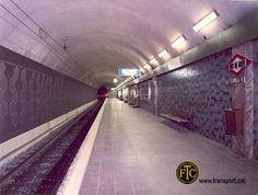 """METRO. DOS DE MAYO. Mi paradaaaa!!! con esos dibujos hexagonales en la pared de la vía, cuántas veces me senté en esos bancos esperando el metro.  Luego se llamó """"Dos de maig"""", y luego """"Hospital de Sant Pau""""."""