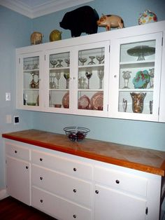 From our former home in Wichita.would love to have a built-in china cabinet again so I can show my grandmother's china and depression glass. Kitchen Reno, Kitchen Cabinets, Built In Hutch, Reno Ideas, Next At Home, China Cabinet, Home Kitchens, Depression, Dining Room