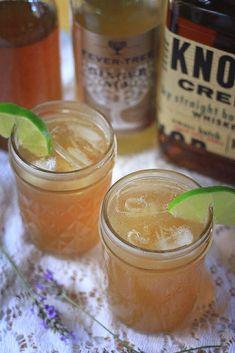 Lavender Vanilla Bourbon Cocktail + Recipe #summerrecipe #lavender #vanilla