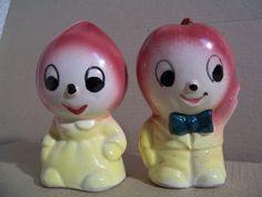 Vintage Anthropomorphic Apple & Onion Salt & Pepper Shakers Japan