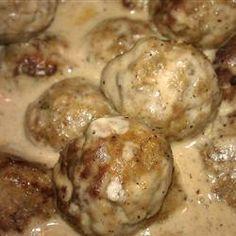 Dana's Famous Swedish Meatballs - featured on Food2Fork.  #food2fork #meatballs #dinner #recipes