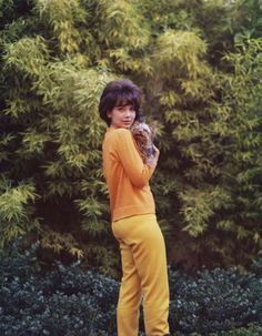 0 Suzanne Pleshette with her yorkshire dog