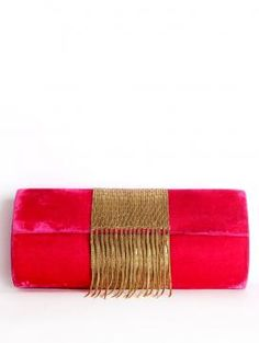 Get the play full look of this clutch by Falah. A perfect accessory for your beautiful dress.