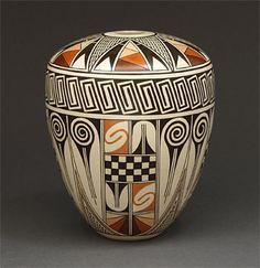 Pottery Seed Pot by Burel Naha (Hopi) Lovely design and colors. Native American Artwork, Native American Pottery, Native American Artists, American Indian Art, Ceramic Pottery, Pottery Art, Ceramic Art, Southwest Pottery, Southwest Art