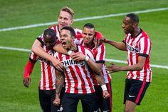 Eindelijk weer titel voor Eindhovense club: PSV loopt polonaise | Telegraaf-Telesport