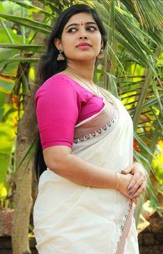 Indian Actress Hot Pics, Beautiful Indian Actress, Grace Beauty, Beautiful Celebrities, Beautiful Women, Curvy Women Fashion, Indian Beauty Saree, Beautiful Saree, India Beauty