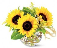 Pretty sunflower summer flower arrangement.