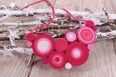 colier rosu roz Karl Lagerfeld, Diana, Crochet Necklace, Jewelry, Fashion, Moda, Jewlery, Jewerly, Fashion Styles