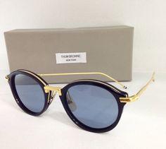 Thom Browne 011F-T-46 Navy Shiny 18K Gold #newyork #handmade #japan #gold En exclusiva en SUNGLASS ISLAND @thombrowneNY #thombrowne #sunglassisland #sunglasses #eyewear #lapalma #luxury #highend #islascanarias #fashion #moda #trend #tendencia #gafas #gafasdesol #navy #blue @Sunglass Island www.sunglassisland.es