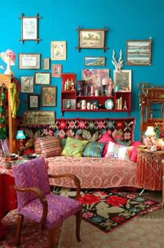 ~Bohemian Chic Style are rich in patterned fabrics, colorful walls and have been a decorating style going back to Gypsy culture of the late 19th century and the Bloomsbury Group in the early 20th century in England,