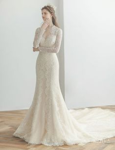 Simple Wedding Gowns, Classic Wedding Dress, Wedding Dress Trends, Wedding Dress Styles, Dream Wedding Dresses, Bridal Dresses, Beautiful Dresses, Ideias Fashion, Marie