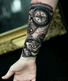 Tante idee per poter applicare sulla propria pelle un bel tatuaggio con la bussola, uno dei preferiti degli ultimi decenni!