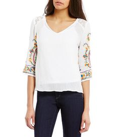 Figueroa & Flower Petites Faye Lace Back Embroidered Sleeve Top