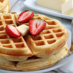 Does it get better than Homemade Waffles from Scratch? Waffles are a breakfast staple, and there's nothing better than making them from scratch. This recipe is foolproof, the ingredients are all easy to find in your pantry or fridge and it will take you less time than going out for breakfast. Cheesy Cornbread, Cornbread Waffles, Home Recipes, Great Recipes, Nashville Chicken, Homemade Waffles, Delicious Breakfast Recipes, Chicken And Waffles, Waffle Iron