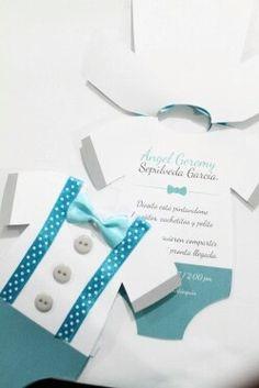 Tarjeta de invitacion niño #invitaciones #niño #hechoamano 1st Birthday Party Bags, Gift Box Design, Baby Shower Invitaciones, Baby Shawer, Baby Invitations, Album Photo, Baby Crafts, Craft Party, Baby Design