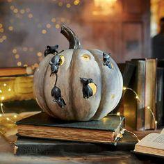 Whimsical Halloween, Halloween Mantel, Halloween Displays, Halloween Party Decor, Holidays Halloween, Halloween Pumpkins, Halloween Crafts, Halloween Ideas, Halloween 2020