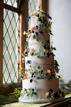 Wedding Cake Entwined with Ivy and Berries - Hannah and Michael's Bridwell Wedding