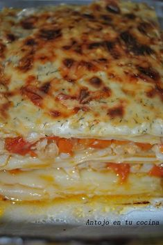 Lasaña de merluza con bechamel al eneldo Fish Dishes, Seafood Dishes, Bechamel, How To Cook Pasta, Risotto, Food And Drink, Pizza, Cooking, Ethnic Recipes
