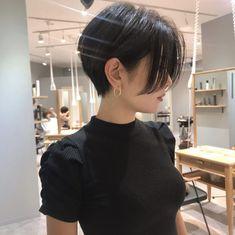 Short Hair Tomboy, Girl Short Hair, Short Hair Cuts, Feminine Short Hair, Japanese Short Hair, Korean Short Hair, Tomboy Hairstyles, Pretty Hairstyles, Tomboy Haircut