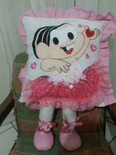 Almofadas de perninha   Mônica   com aplicação   para meninas