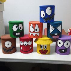Potes locos.  Potes de lata o cartón, pintura al frío, silicon frío y cartón