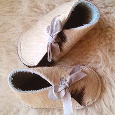 Handmade leather babyshoes