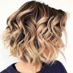 Messy Beachy Waves ❤ Everyone wants to get beach waves for short hair. Check out the handy tricks, ideas, and tutorials. hair waves 30 Easy And Cute Styling Ideas To Get Beach Waves For Short Hair Beach Waves For Short Hair, How To Curl Short Hair, Beach Wave Hair, Short Hair Updo, Short Bob Hairstyles, Hairstyles Haircuts, Easy Beach Waves, Wedding Hairstyles, How To Beachy Waves