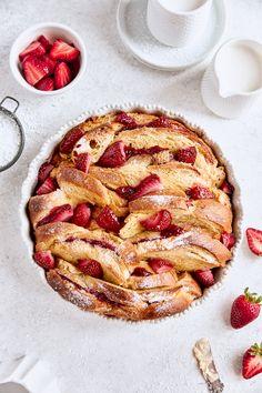 Breakfast Bake, Best Breakfast, Breakfast Casserole, French Toast Bake, French Toast Casserole, Brunch Recipes, Breakfast Recipes, Breakfast Ideas, Baked Strawberries