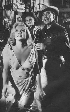 "Marilyn Monroe as Roslyn Tabor & Clark Gable as Gaylord Langland in ""The Misfits"" release date Feb. 1, 1961"