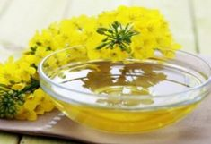Choose Heart-Healthy Cooking Oils With Healthy Fats - Heart Health Center - Everyday Health Anti Inflammatory Oils, Nordic Diet, Eat And Run, Rapeseed Oil, Nutrition, Diet Supplements, Healthy Oils, Healthy Cooking, Fat Foods
