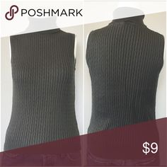 """Jeanne Pierre sleeveless cable knit sweater Pre owned in good condition. Size PP 90% cotton 10% Nylon measurements laying flat shoulder to shoulder 13"""" chest 16"""" length 20.5"""" jeanne pierre Sweaters"""