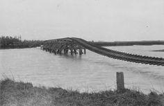 Flood-damaged bridge, Clive, 1897 – Hawke's Bay region – Te Ara ...