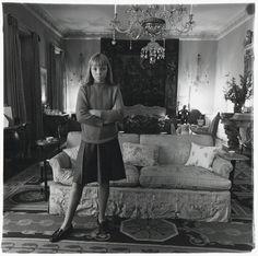 Diane Arbus :: Penelope Tree in her living room, N.Y.C.; gelatin silver print (1962)