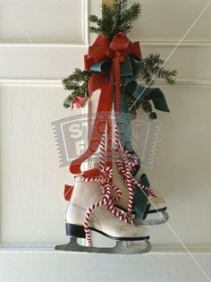 christmas decoration idea with old ice skates