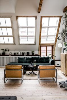 'Minimal Interior Design Inspiration' is a weekly showcase of some of the most perfectly minimal interior design examples that we've found around the web - all Living Room Without Tv, Home And Living, Cozy Living, Slow Living, Modern Living, Living Room Designs, Living Room Decor, Living Spaces, Living Rooms