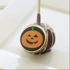 Halloween pumpkin cake pops.