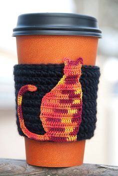 Crochet cat cozy.